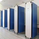 Спортивные раздевалки: модульные перегородки для душевых фитнес-центров и бассейнов серии AG/S